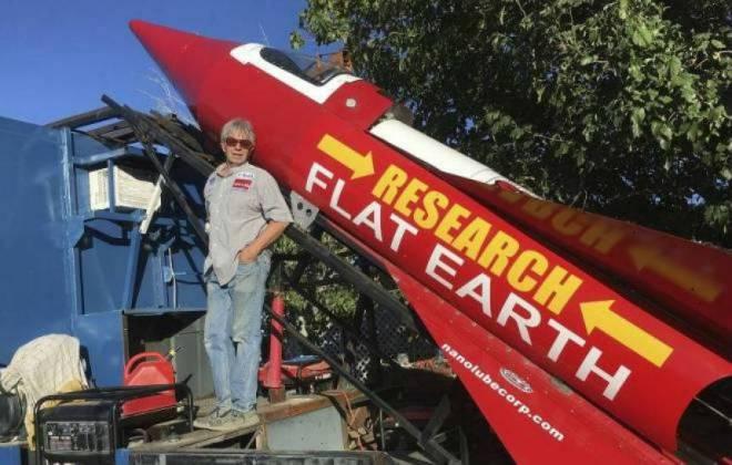 Para mostrar que a Terra é Plana, homem tentará se lançar em foguete de novo