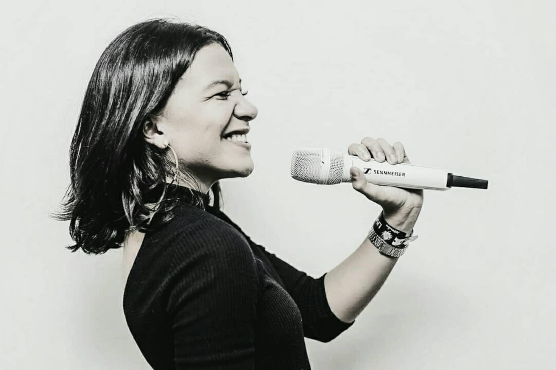 Priscilla Alcântara | Cantora entra no estúdio para finalizar CD