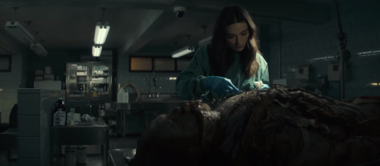 Novo trailer assustador da série Monstro do Pântano é divulgado