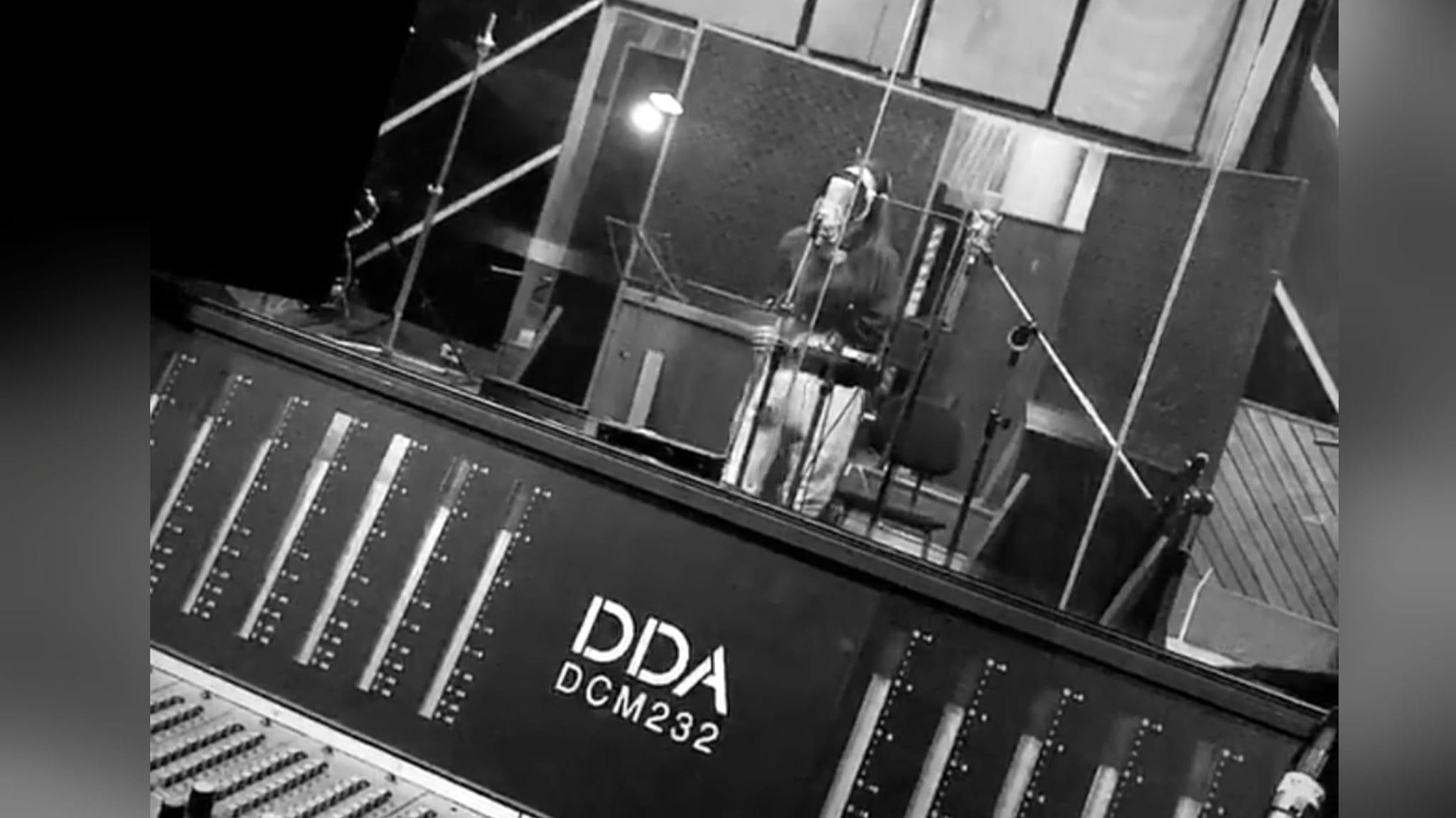 Isadora Pompeo | Lançamento de novo single em breve!!!