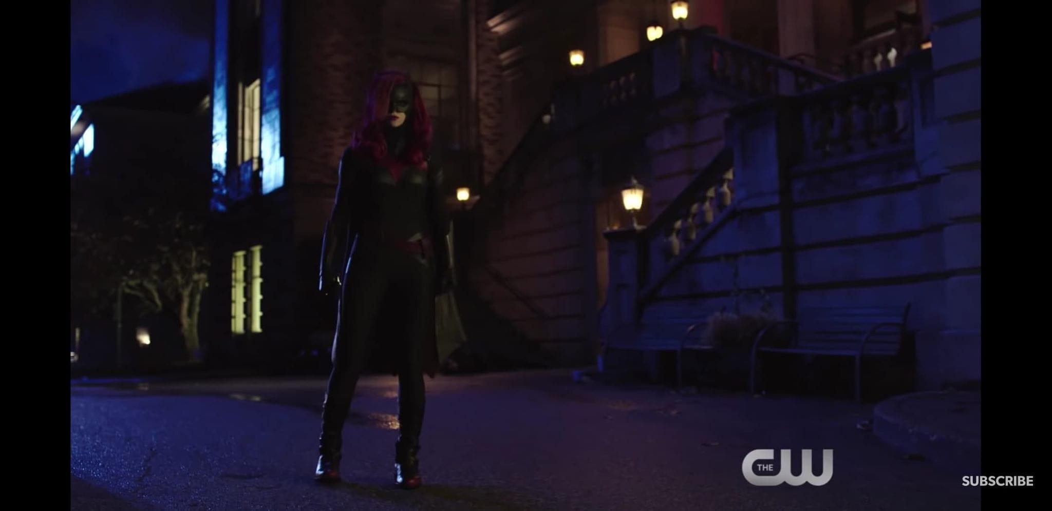 Batwoman | Heroína aparece pela primeira vez no universo CW