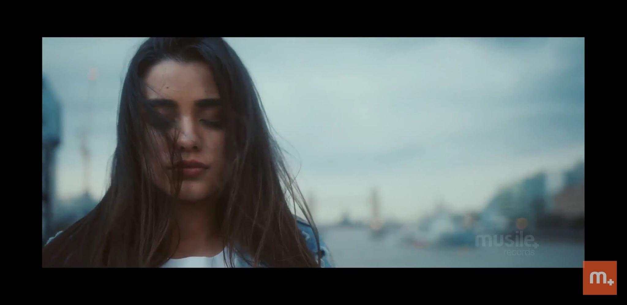 Musile Records | Isadora Pompeo lança Braços de Amor