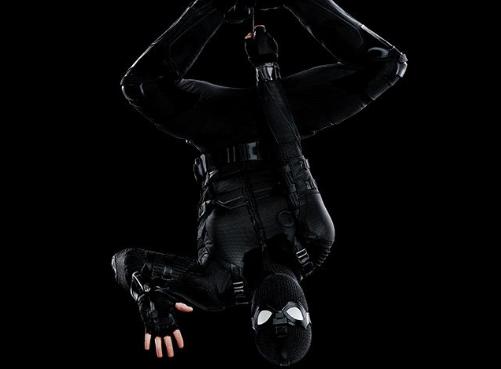 Novos dois pôsteres de Homem-Aranha: Longe de Casa destacam o Stealth Suit