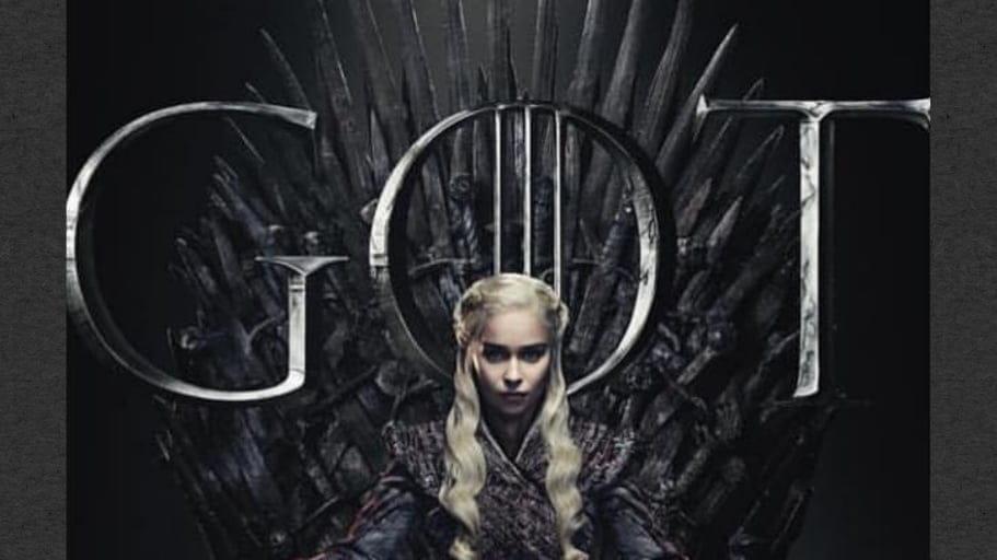 GoT |  Emilia Clarke posta Daenerys Targaryen no trono de ferro