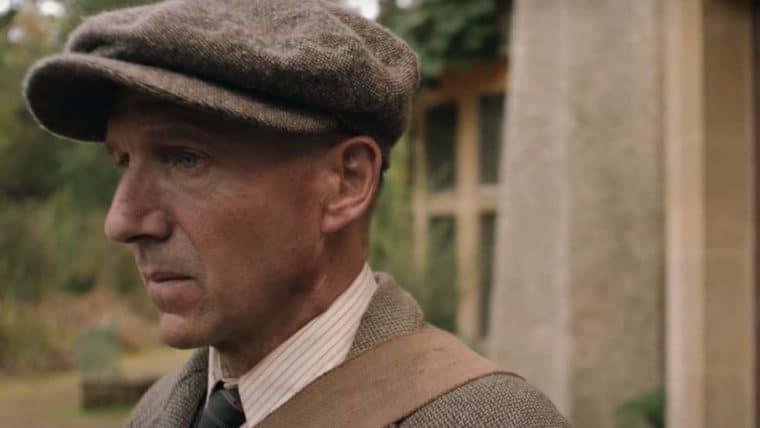 A Escavação | Netflix divulga trailer de filme estrelado por Ralph Fiennes