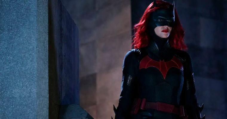 Batwoman   série ganha novo teaser com cenas inéditas