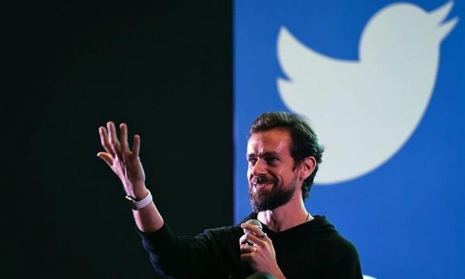 CEO do Twitter doa US$ 1 bilhão para luta contra o coronavírus