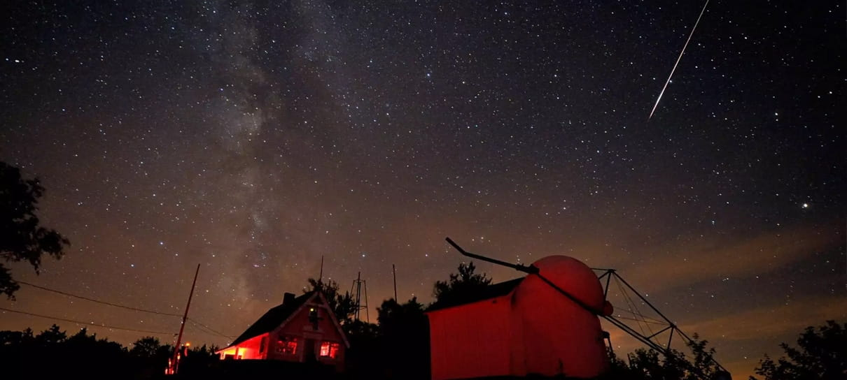Chuva de Meteoros passará pela Terra, saiba como assistir