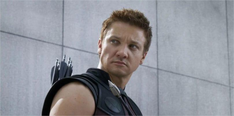 Vingadores 4 | Jeremy Renner publica foto nos bastidores do longa