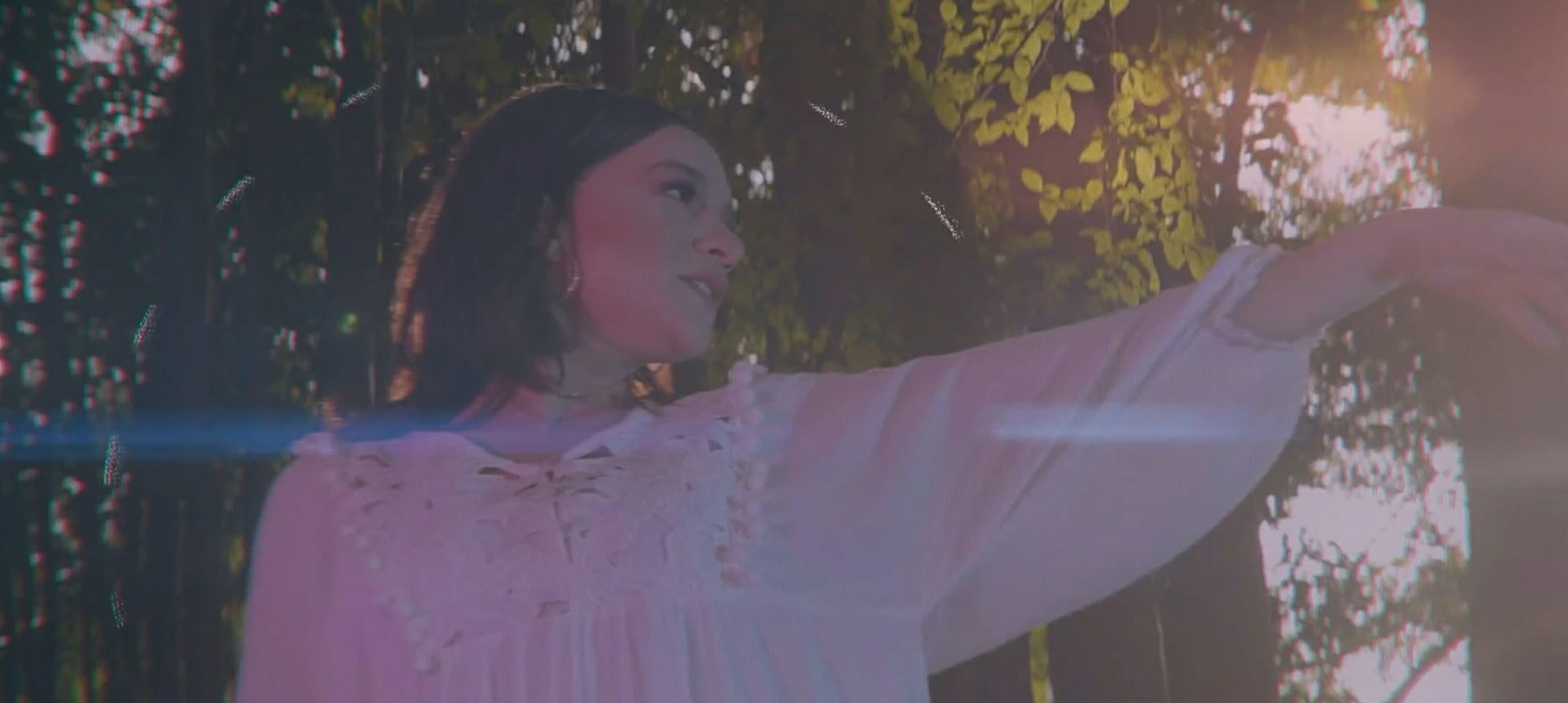Priscilla Alcântara  | cantora lança clipe do single Me Refez no The Noite