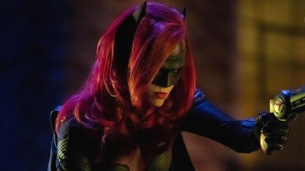 Arrowverso | Batwoman aparece em novo trailer