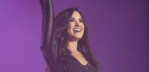 Demi Lovato agradece a Deus por mantê-la viva e bem durante sua internação