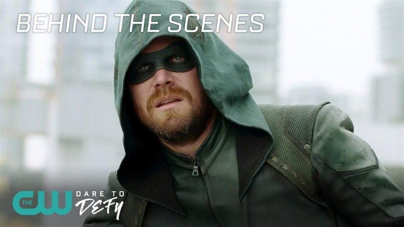 Elenco do crossover Crise nas Infinitas Terras faz despedida para Arrow em vídeo