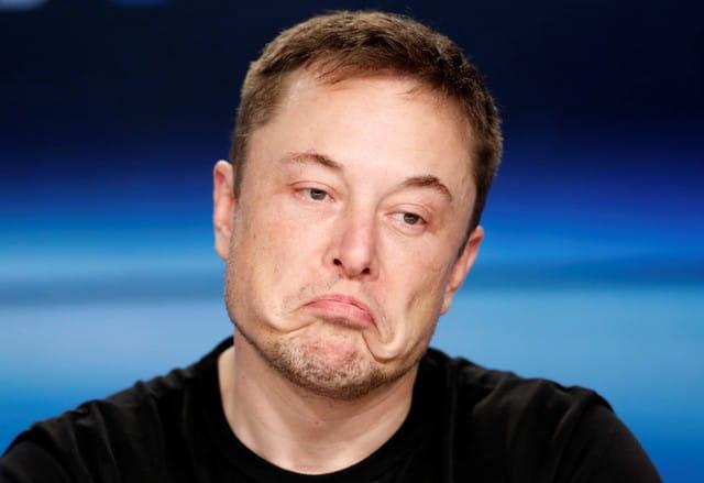 Elon Musk sugere deletar o Facebook