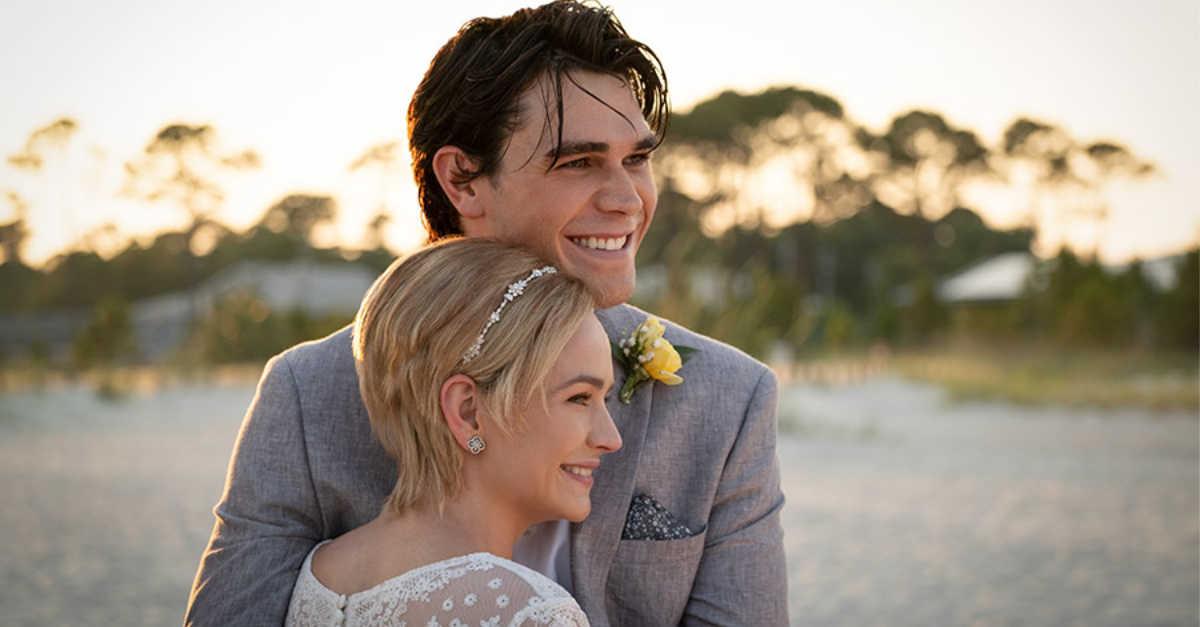 Enquanto Estivermos Juntos | Filme alcançou o segundo lugar na bilheteria americana