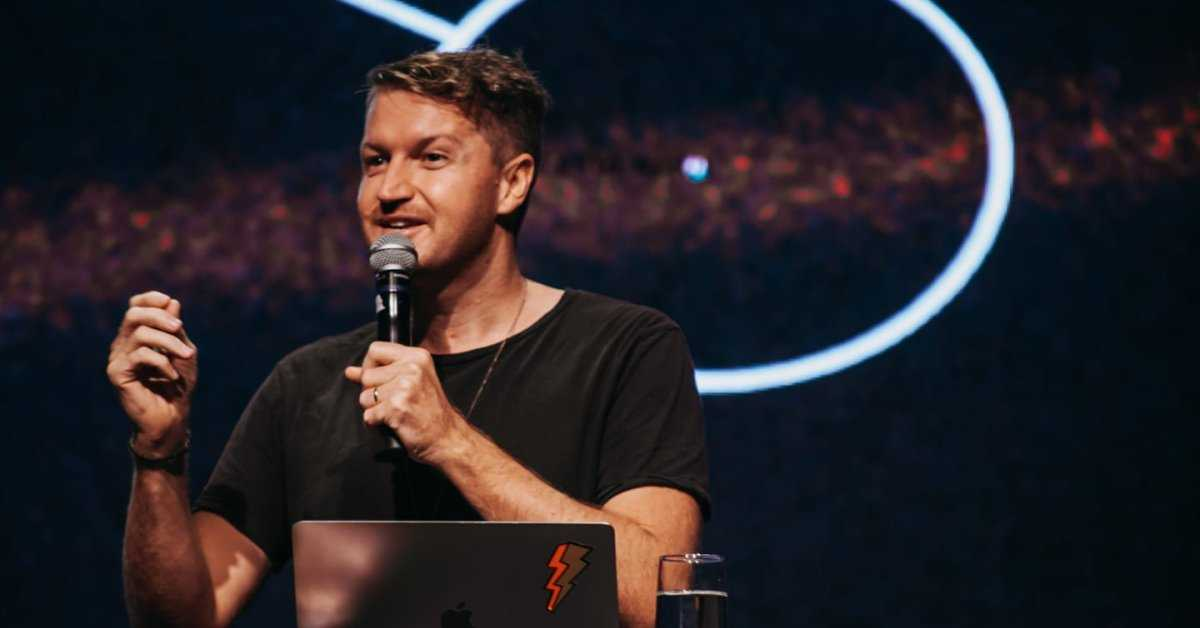 Jay Argaèt, lider de comunicação da Hillsong participará do inChurch Conference no Brasil