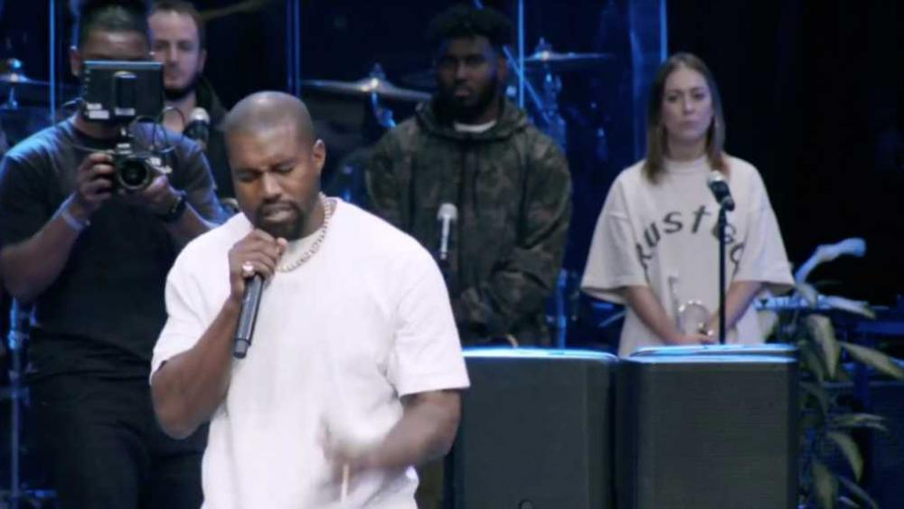 Kanye West anuncia que abandona a música secular