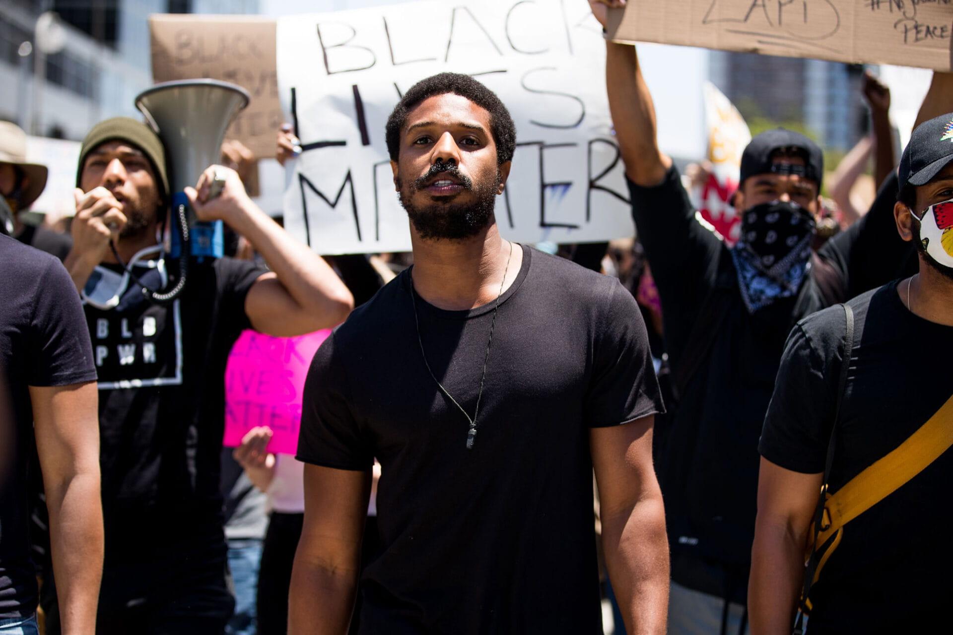 Michael B. Jordan faz discurso exigindo representatividade racial em Hollywood