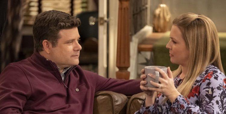 No Good Nick | Netflix cancela série com Melissa Joan Hart e Sean Astin depois de apenas uma temporada