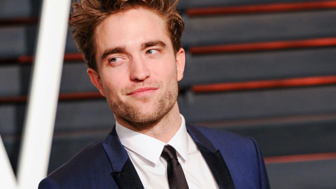 Robert Pattinson diz que tem perfil secreto em Twitter