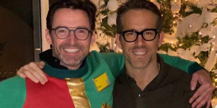 Ryan Reynolds e Hugh Jackman vendem limonada para arrecadar doações