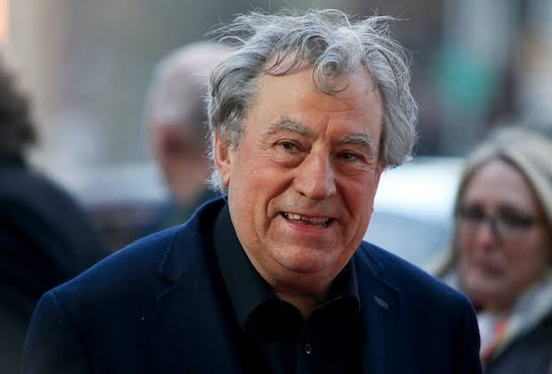 Terry Jones, fundador do Monty Python, morre aos 77 anos