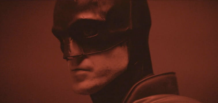 The Batman | Matts Reeves divulga vídeo com Robert Pattinson com o uniforme do filme, assista