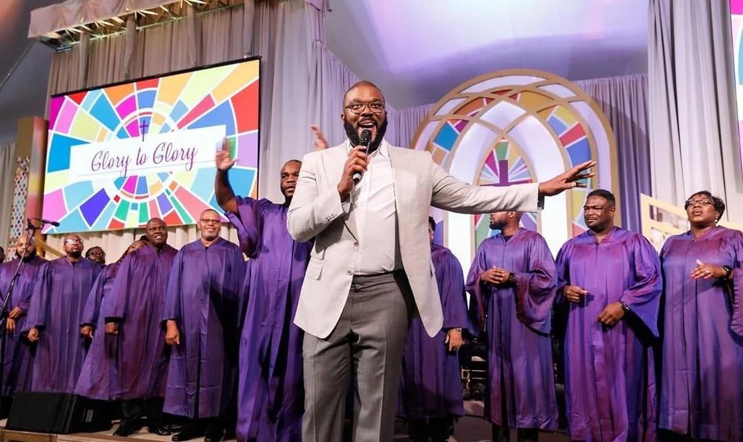 Tyler Perry inaugura novo estúdio em Hollywood com um culto de adoração